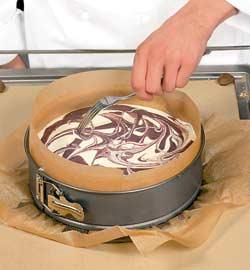 Черничный мраморный торт