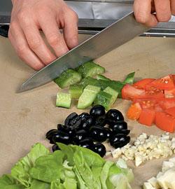 Греческий салат в лаваше