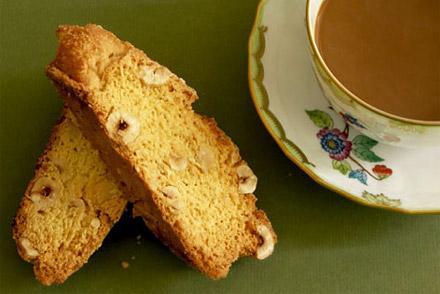 Сухарное печенье с орехами