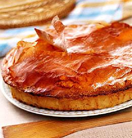 Картофельный пай с моцареллой и салями