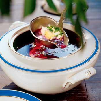 Свекольник, летние холодные супы