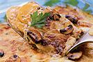 Запеканка из картофеля с грибами и сыром с голубой плесенью