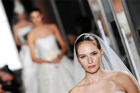 Пошив свадебных и вечерних платьев