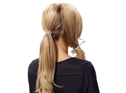 Укладка: собираем волосы в ретро пучок